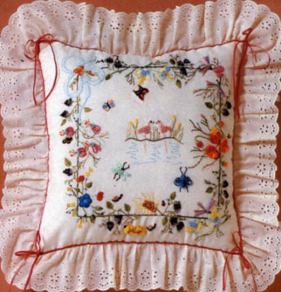 Brazilian Embroidery Design: JDR Advanced Pillow